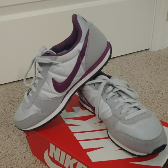 le scarpe nike genicco 8 scarpe poshmark